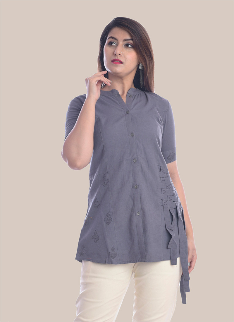 /home/customer/www/fabartcraft.com/public_html/uploadshttps://www.shopolics.com/uploads/images/medium/1-2-Sleeve-Gray-Shirt-Style-Top-35067.jpg