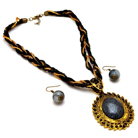 Black and Gold Polish beaded drop neckless with Round Pandent and Pair of Earrings for Women