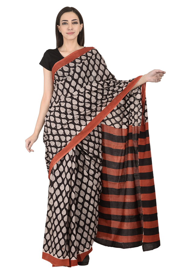 /home/customer/www/fabartcraft.com/public_html/uploadshttps://www.shopolics.com/uploads/images/medium/Black-and-White-Leaf-Pattern-Cotton-Block-Print-Saree-20102.jpg