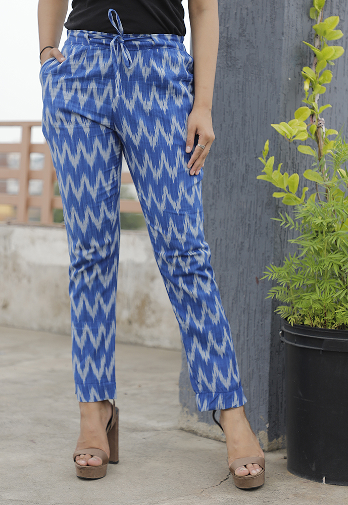 /home/customer/www/fabartcraft.com/public_html/uploadshttps://www.shopolics.com/uploads/images/medium/Blue-White-Cotton-Ikat-zig-zag-Narrow-Pant-33865.JPG