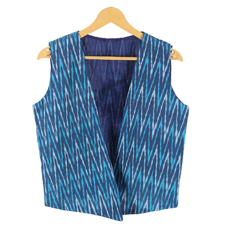 /home/customer/www/fabartcraft.com/public_html/uploadshttps://www.shopolics.com/uploads/images/medium/Blue-White-Sleeveless-Ikat-Cotton-koti-jacket-12287.jpg
