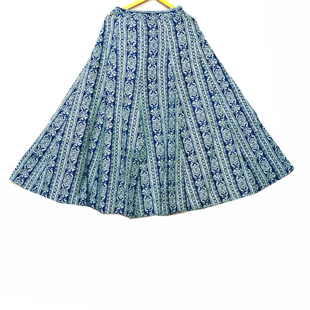 /home/customer/www/fabartcraft.com/public_html/uploadshttps://www.shopolics.com/uploads/images/medium/Blue-and-White-Floral-Design-Cotton-Skirt-23024.jpg
