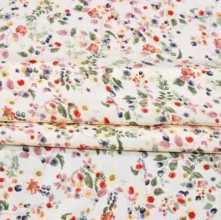 Cream Red Digital Flower Print Georgette Fabric-41197