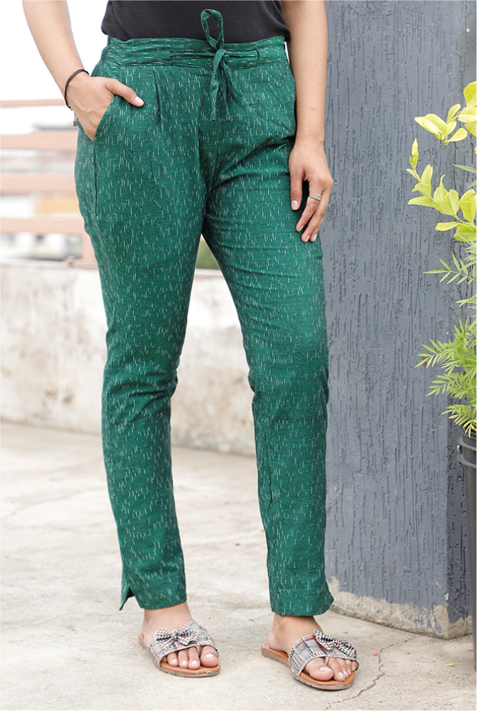 /home/customer/www/fabartcraft.com/public_html/uploadshttps://www.shopolics.com/uploads/images/medium/Green-White-Cotton-Ikat-zig-zag-Narrow-Pant-33898.JPG
