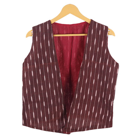 /home/customer/www/fabartcraft.com/public_html/uploadshttps://www.shopolics.com/uploads/images/medium/Maroon-White-Sleeveless-Ikat-Cotton-koti-jacket-12286.jpg
