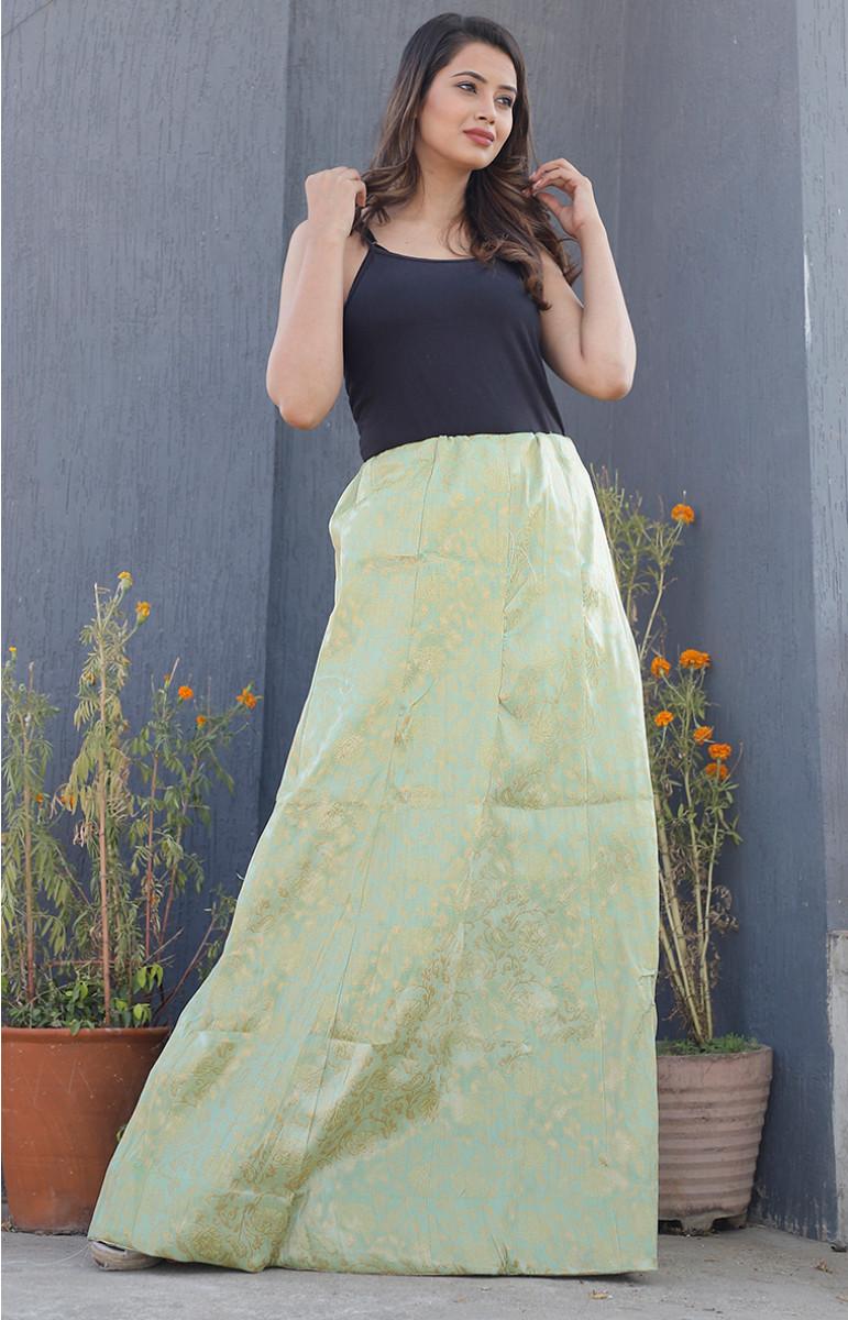 /home/customer/www/fabartcraft.com/public_html/uploadshttps://www.shopolics.com/uploads/images/medium/Olive-Green-Golden-Brocade-silk-Lehenga-34224.JPG