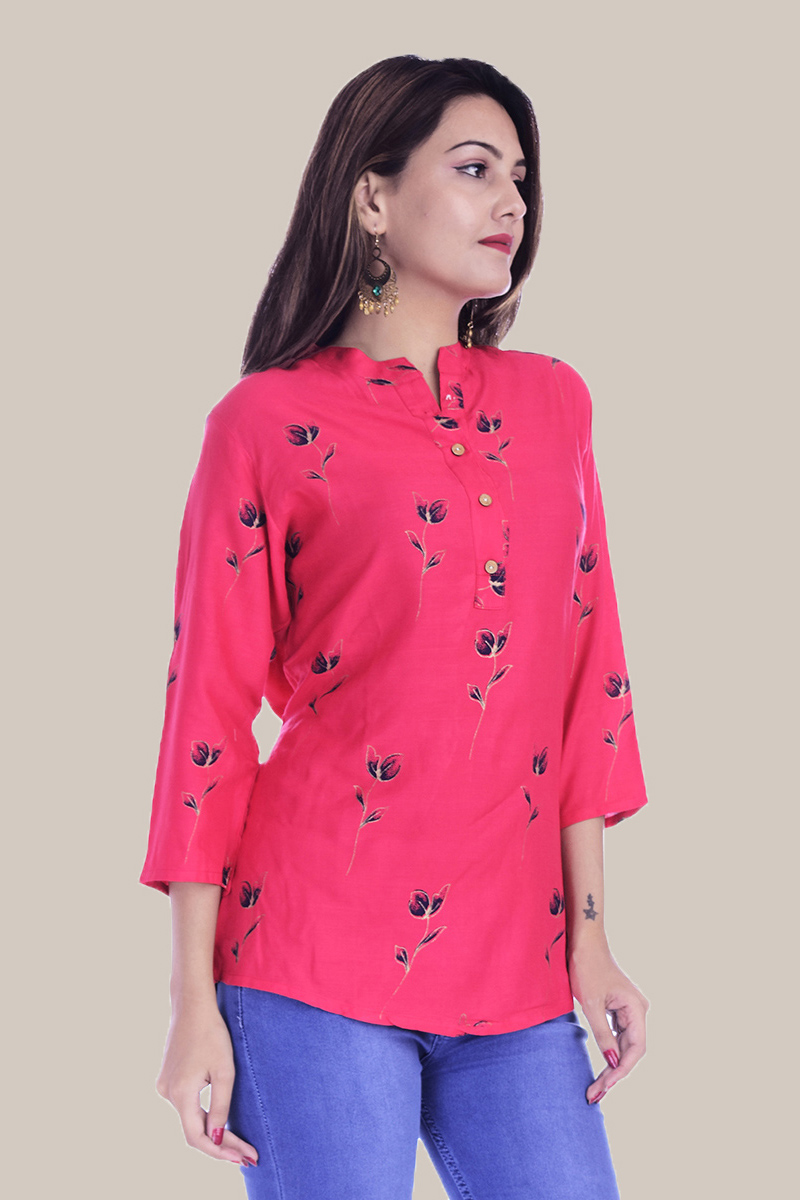 /home/customer/www/fabartcraft.com/public_html/uploadshttps://www.shopolics.com/uploads/images/medium/Pink-Blue-Floral-34-Sleeve-Cotton-Women-Top-34003.jpg
