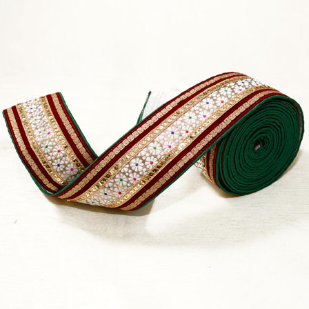 9 MTR Roll of Red-White and Green Floral Pattern Jacquard lace-4011