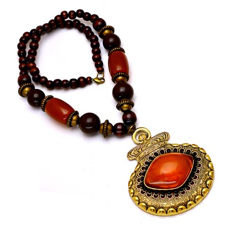 Red and Maroon Pearls Drop Neckless with Pot Pattern Pandent for Women