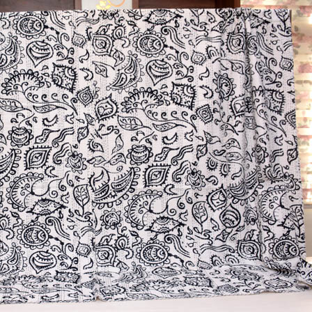 White and Black Leaf Handmade Pattern Kantha Quilt-4327